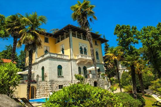 Photo of Hotel Villa Astra Lovran