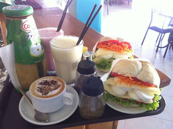 Who of you, around Baleal, dare to have breakfast with us?!