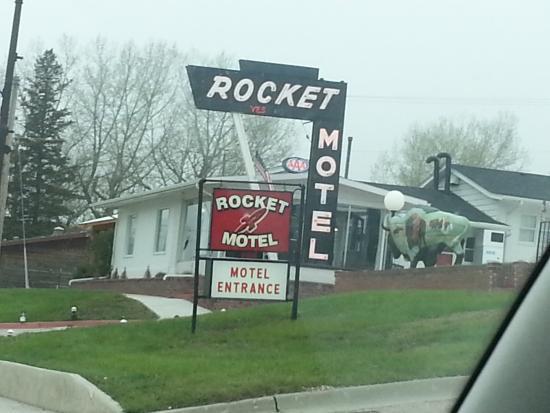 Rocket Motel: Front of Motel