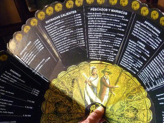 Restaurante Paco's: il menu impresso su un ventaglio