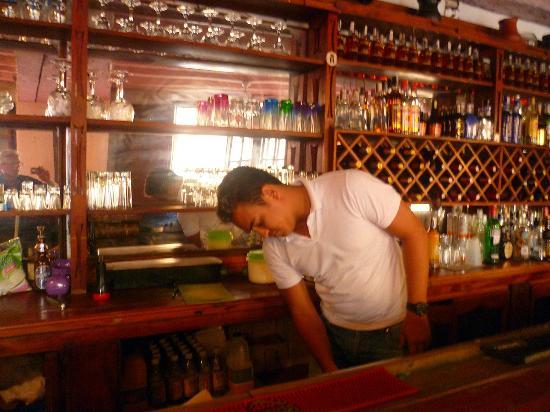 Restaurante Paco's: uno dei barman