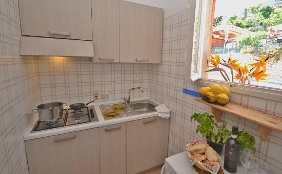 Villaggio del Sole: Cucina appartamento Standard