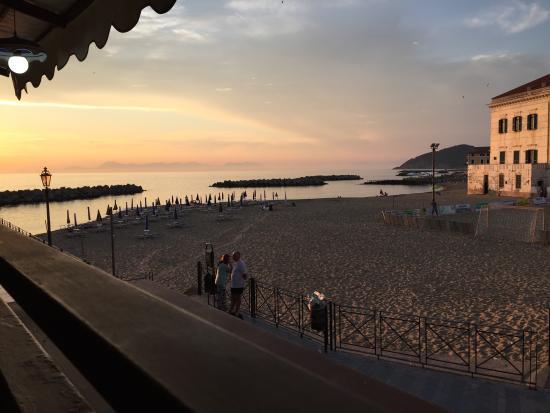 Ristorante e Pizzeria Arlecchino: a pochi metri dalla spiaggia