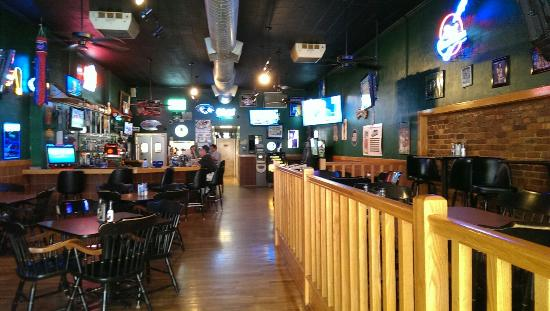 D'Laney's Sports Bar and Grill