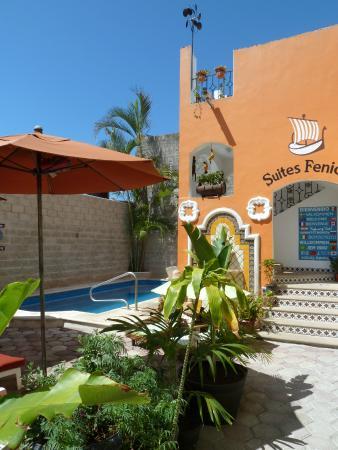 Suites Fenicia: piscina
