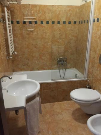 Beau Site - Antica Residenza : The Bathroom