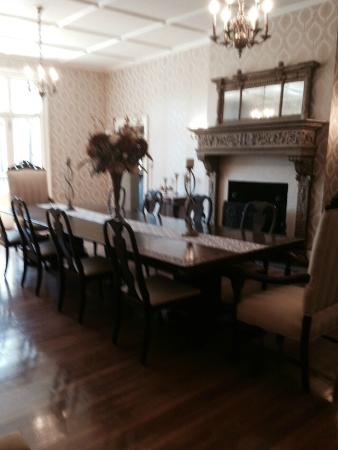 Seven Hills Inn : 7 Hills Inn Dining Room