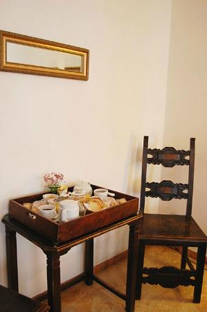 Room in Venice Bed and Breakfast : Breakfast Tray in room