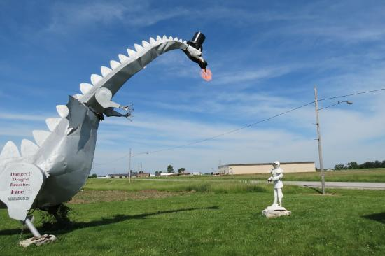 Vandalia, IL: Dragon breathing fire