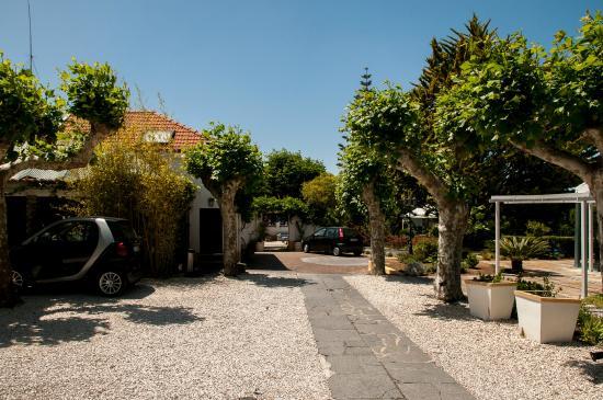Villa das Rosas: parking