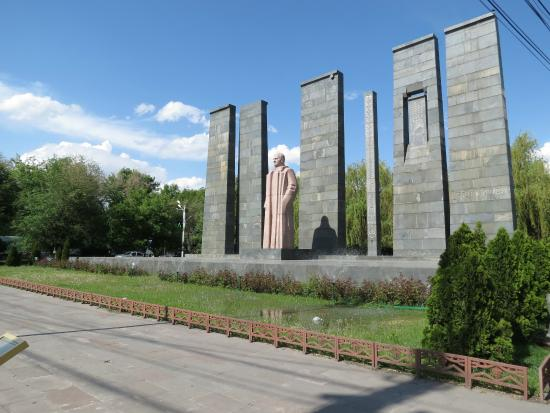 Alexander Myasnikyan Statue