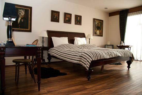 Hostellerie Schuddebeurs : Queensize bed