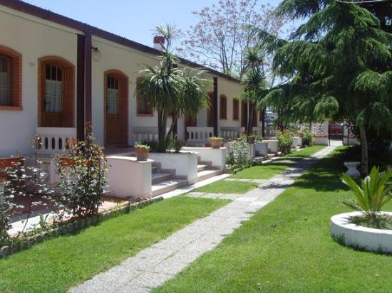 Castelnuovo della Daunia, Italy: le camere immerse nel verde