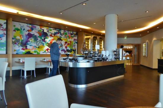 fr hst ck im restaurant 44 bild von swissotel berlin berlin tripadvisor. Black Bedroom Furniture Sets. Home Design Ideas