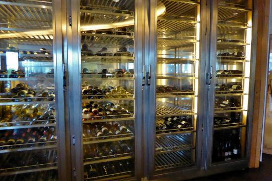 Weinschrank des Restaurant 44 - Picture of Swissotel Berlin, Berlin ...