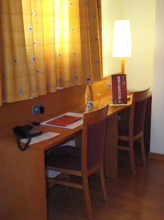 Hotel Alaquas: Habitacion