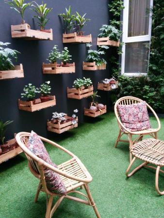 Petit jardin interieur dans l\'hôtel - Picture of Internacional ...