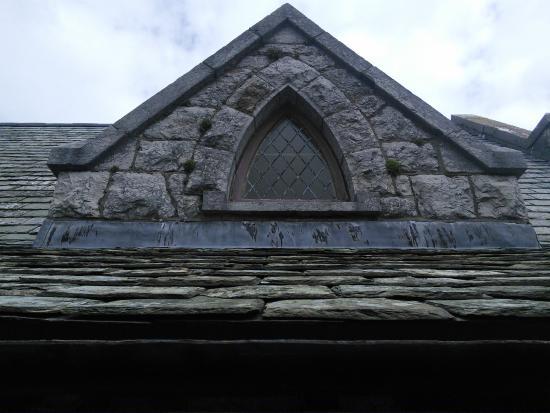 St. Tudno's Church: Window arch detail