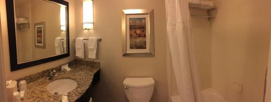 room suite 16 - Hilton Garden Inn Bothell