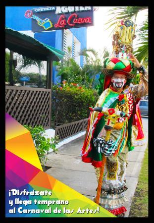 Bar Restaurante La Cueva: El Carnaval Internacional de las Artes es el evento gratuito que realiza La Cueva desde 2007