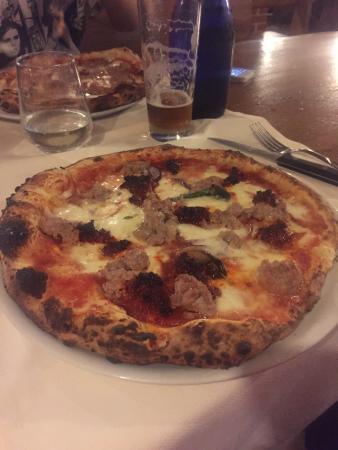Osteria Drago Verde: Pizza salsiccia e nduja
