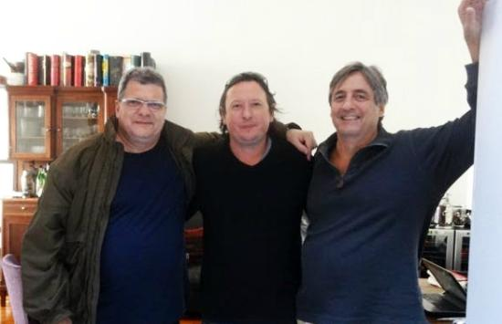 Gorriti 4290 B&B: Paulo, Hernán e Wilson no living room