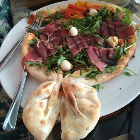 La Bocca Pizza Kitchen