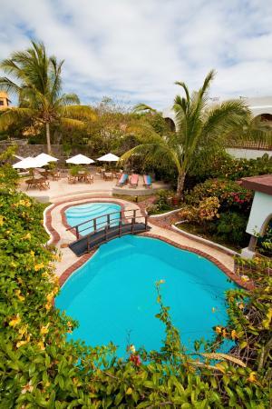 Hotel Silberstein: Pool exterior