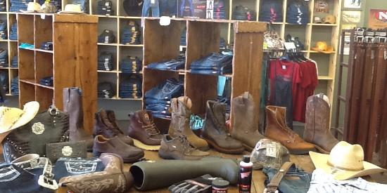 Greencastle, อินเดียน่า: Work and Western Boots & Apparel