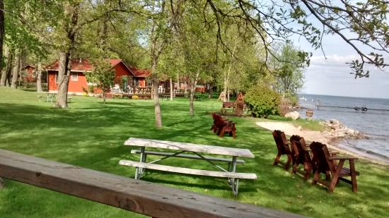 Brindley's Harbor Resort Inc.: Beautiful grounds