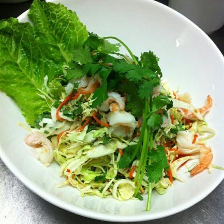 Vi La Palace Vietnamese Restaurant : Green papaya  salad, hot and sour soup
