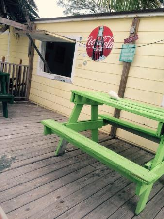 Sherry's Paradise Beach Bar: Amazing views and dinner