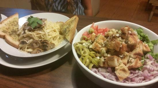 HosteLima: meals