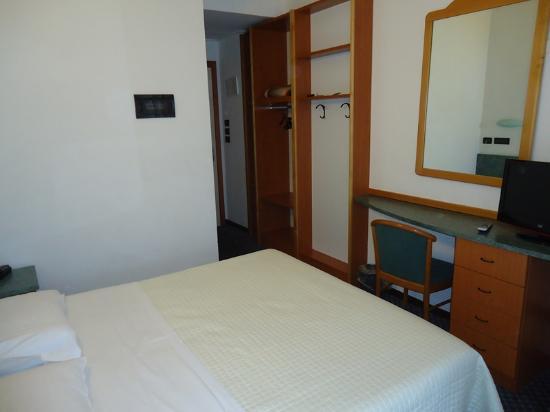 Hotel Nord Est: Habitación