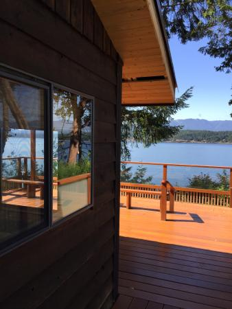 Ford's Cove Marina Waterfront Cottages: great view from the cottage!