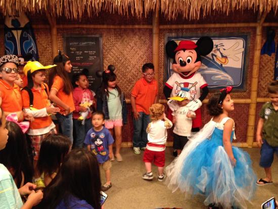California Welcome Center - Orange County: Desayuno con personajes de Disney