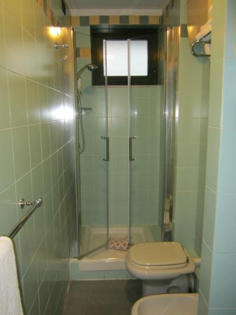 Albergo Atheneum: La salle de bain