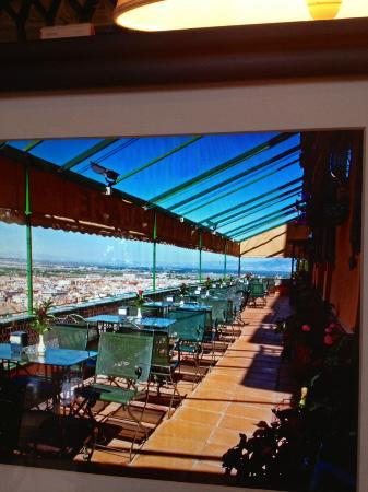 Alhambra Palace Hotel: para tomar cafe