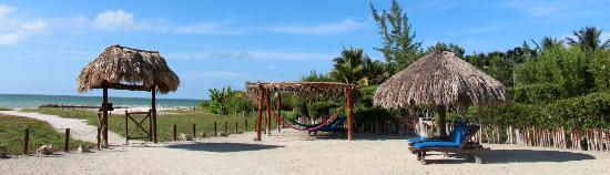Beach Guesthouse Holbox Apartments & Suites: part of the lounge area
