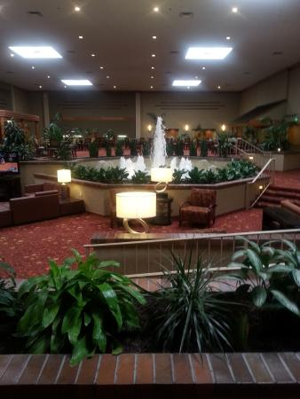 Holiday Inn Cincinnati Airport: Hotel lobby
