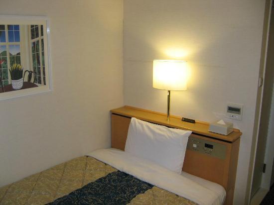 Keio Presso Inn Kayabacho: 清潔な室内と快適なベッドでした