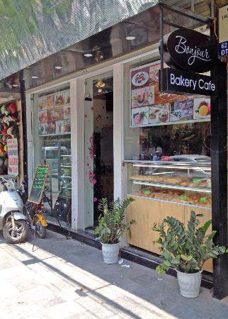 Bonjour Bakery Cafe
