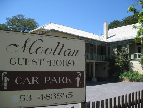 Mooltan House