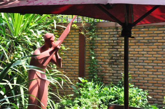 Beau Rivage Mekong Hotel: garden