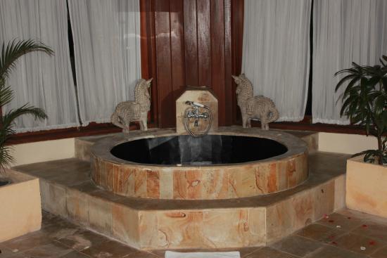 Dewani Villa: Jacuzii on Suite room