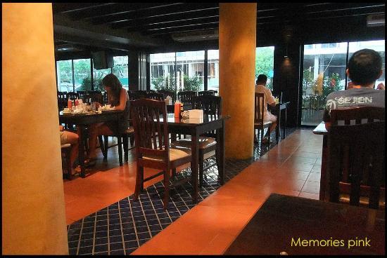 Twin Inn Hotel: ห้องอาหาร