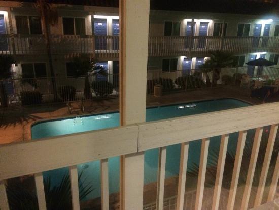 Motel 6 Santa Barbara - Carpinteria South : View from Room