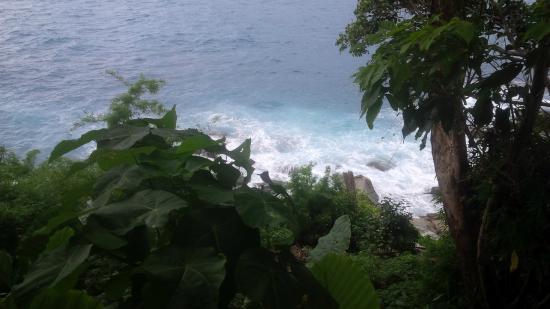 Secret Cliff Resort: Looking down from room balcony