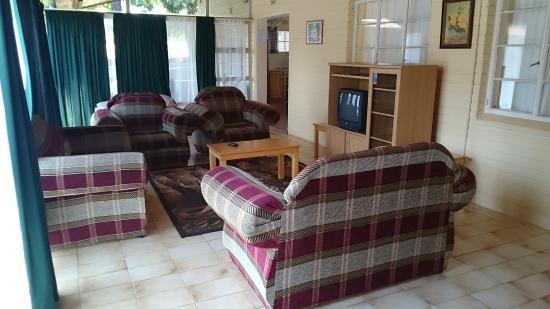 Jock Sabie Lodge: Lounge of 8 Sleeper