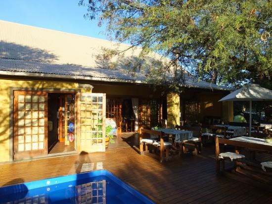 Riverside Lodge: Veranda